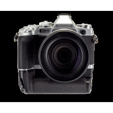 Фотоаппарат Olympus OM-D E-M1 с объективом 12–100 и ручкой HLD-7 cеребристый (V207010SEK1000)